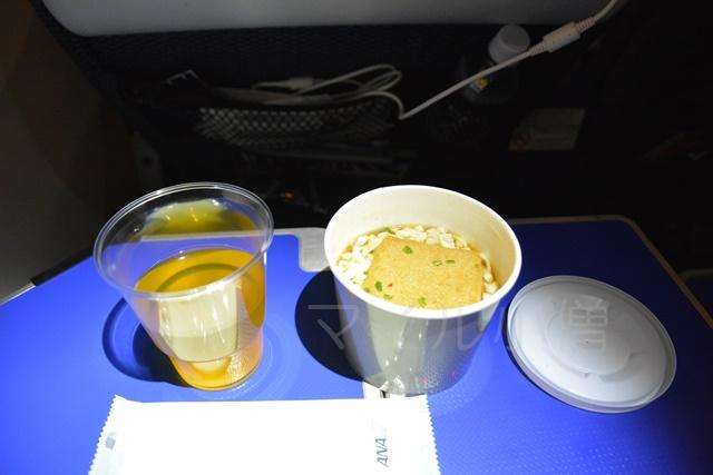 ANAプレミアムエコノミークラスの機内食