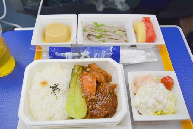 ANAエコノミークラスの機内食