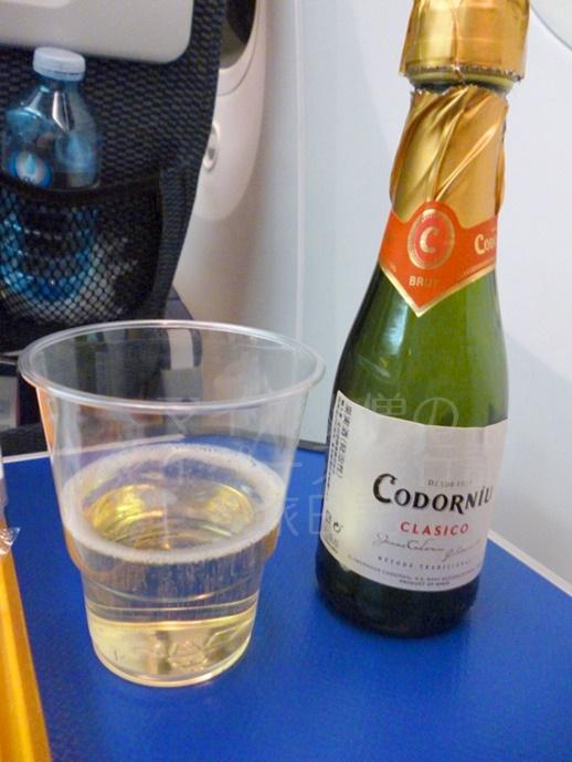 ANAプレミアムエコノミーのスパークリングワイン