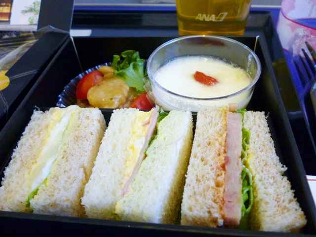 ANAプレミアムクラスの機内食